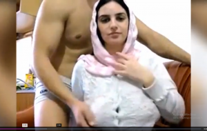 Arab Wife Big Boobs Show On Webcam – PORNMELA.COM