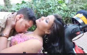 Hot Desi Indian Aunty Neena Hindi Audio