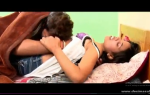 desimasala.co – Horny girl smooching navel kiss romance on bed