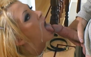 🐇 Angelic blonde model Alexa Rae knows how to suck a long penis