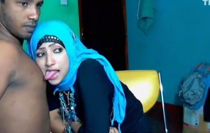 Horny Muslim Hijab Girl Sucking Nipple Of Boyfriend Tits Out