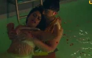 Desi hot aunty and young boys affair caught