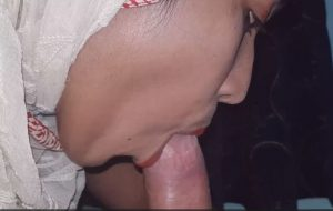 Hijabi Indian College Girl Giving Astonishing Blowjob