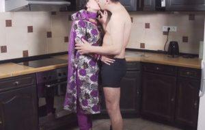 Katrina & Shah Rukh in Bollywood Hot Sex Scene